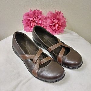 Clarks brown strap mary janes